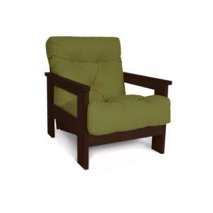 Деревянное кресло с подлокотниками