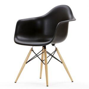 Кресло из пластика
