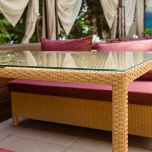 Обеденный прямоугольный стол