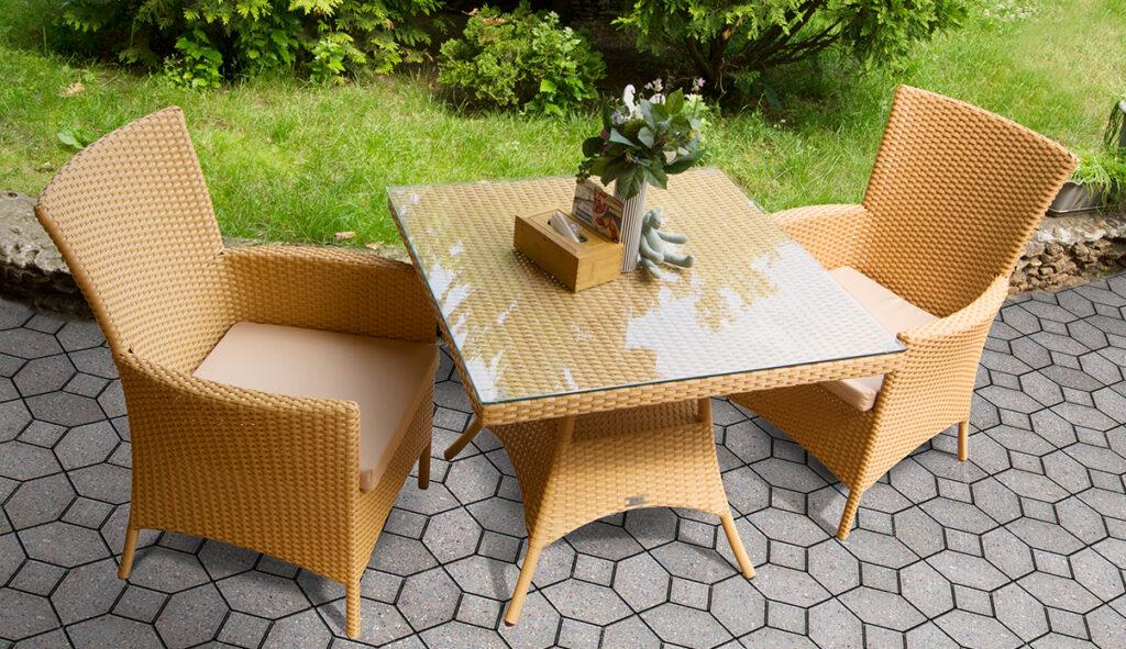 Столы для летних площадок